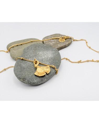 Isabelle Poisot Bijoux- Collier doré or fin et pendentif Ginko