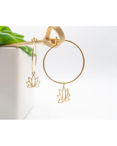 Créoles Isabelle poisot bijoux - dorées à l'or fin et médaillons nénuphars